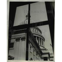 1932 Press Photo The Capitol from a Window