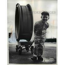 1962 Press Photo Jimmy Ball - nee03280