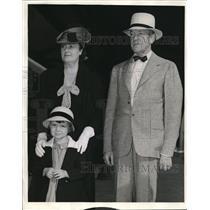 1941 Press Photo Senator and Mrs. McNary daughter Charlotte - nee02244