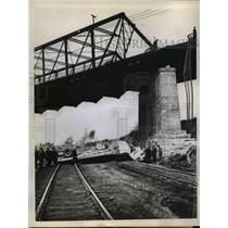 1945 Press Photo Truck Driver drops 60 feet - nee03257