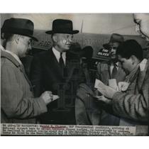1948 Press Photo Harold E. Stassen Arrives at National Airport - nee01602