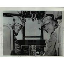 1962 Press Photo Pilot Lt Robert E. Crafton, Louis K. Keck in Helicopter Cockpit
