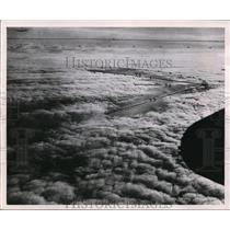 1947 Press Photo Hole in the cloud inNew York was produced by Icing Cloud.