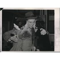 1939 Press Photo Young Man Welcomed From Polish Liner Batory in Hoboken, NY