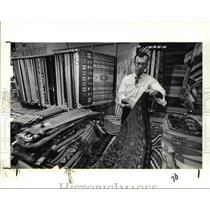 1981 Press Photo Tom Muir of the McDurries Ltd Store in Beachclift Market