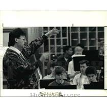 1990 Press Photo Hans Bonnert directs Shaker Heights School Band