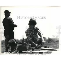1980 Press Photo Kevin Yoder with his father playing the remote air crafts