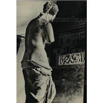 1923 Press Photo The damaged back of the Venus of Milo statue