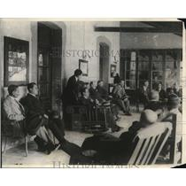 1923 Press Photo Mexican President Alvaro Obregen meeting with senators