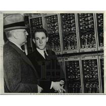 1938 Press Photo Pari Mutuel machines at Santa Anita track, AJ Johnston, M Shaw