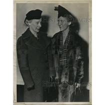 1937 Press Photo Ann Erickson and Bernice Christian of Ohio State University