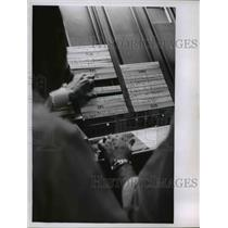 1962 Press Photo Cleveland FAA Air route traffic control center