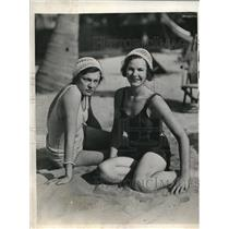 1932 Press Photo Lucille Hatch & Betty Oldfield at Miami Beach Fla