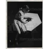 1946 Press Photo Toy Chest Becomes Table & Seat - nee12533
