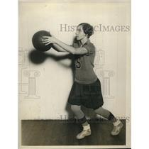 1927 Press Photo Helen Gibson, Forward, Savage Normal School basketball