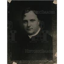 1919 Press Photo Reverend John Thompson