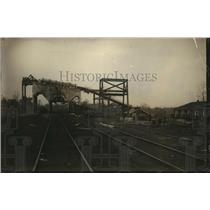 1922 Press Photo A coal mine & its surface processing facilities