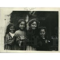 1923 Press Photo Maori girls from New Zealand in Eurpoean wear