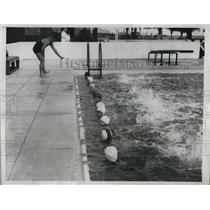 1934 Press Photo Swim instruction at Sea Spray beach Club Palm Beach Fla