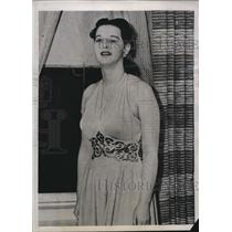 1941 Press Photo Paula Von Luckner Touches off FBI Explosion - nee21600