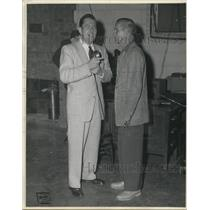 Press Photo Walt Henrich & another man with a radio mike