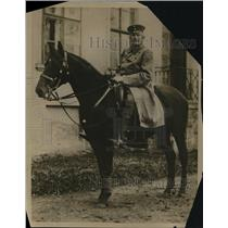 1919 Press Photo General Count Von Haiseler outside his home