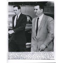 1957 Press Photo Asa Carter, most ardent segregationist surrenders to police
