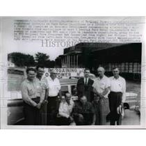1962 Press Photo National Farmers Organization Members Protest Ford Motor Co.