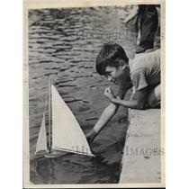 1938 Press Photo Richard Mihalek Winner of Model Sailboat Race
