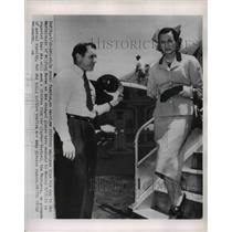 1954 Press Photo American Airlines employee and the Marchioness of Milford Haven