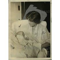 1924 Press Photo Elsie Hill, National Woman's Party w Newborn Baby Daughter