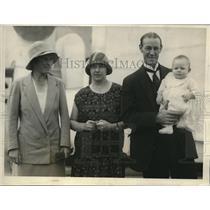 1925 Press Photo English tennis star Elizabeth Ryan, Mr & Mrs Jim Anderson & bab