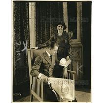 "1919 Press Photo ""Of course Jack scolds..."" -Thetta Quay Franks"