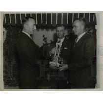 1936 Press Photo Captain Eddie Rickenbacher Presenting Rickenbacher Trophy