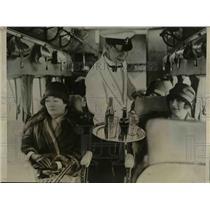 1927 Press Photo Stewart Watts, Aerial Waiter serving drinks on trip to Paris