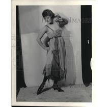 1919 Press Photo Mobel Julienne Scott #5 Dancing pumps