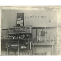 1925 Press Photo AMBU Engineering Institute In Chicago Illinois, Electrical Test