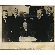 1926 Press Photo Pres. Doummergue of France(R)  & Prem. Poincaire(L), Press club
