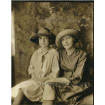 1923 Press Photo Helen Buck age 9 & Carolyn Cawthon age 11 of Jackson Tn
