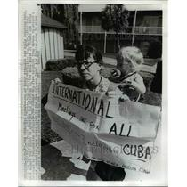 1971 Press Photo Woman Demonstrating Cuba to Be Included in World Meeting