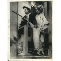 1925 Press Photo Joseph Casella's home Oakland Calif, storm sewer installed, gun