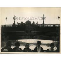 1927 Press Photo Passing Under Paris Bridge Alexander III