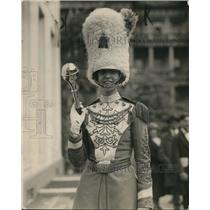 1925 Press Photo Helen Montgomery drum majorette Drury HS at White House