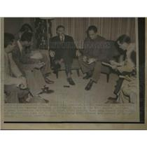 1952 Press Photo Carlos Scoarras, Auraliano Sanchez Cuba Press Conference
