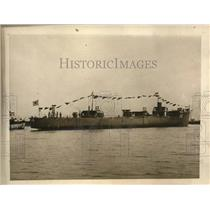 1922 Press Photo Japan launches battle ship destroyers at Fuzinagata yards