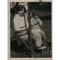 1921 Press Photo Mrs. Cornelia Biddle Duke with her son Anthony