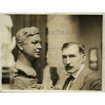 1918 Press Photo Bust of Clayton Hamilton & sculptor Edmund T Quinn