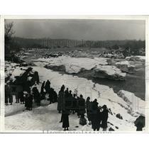 1936 Press Photo Frozen Capital Area Becomes Winter Resort Great Falls