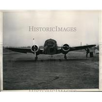 1948 Press Photo Capt William Eddy in plane at South Bend Indiana