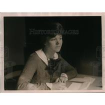 1922 Press Photo Aleta Estes Munger organizes Michigan delegation to conference